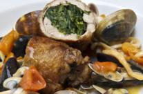 Involtino d'agnello con cicoria, salsa di frutti di mare e colatura di alici di Cetara