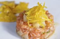 Tartare di salmone selvaggio scozzese con nachos