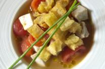 Brodetto di ricciola e ciliegino con pane croccante