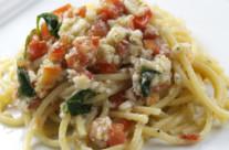 Spaghetti coi cecinelli (bianchetti)
